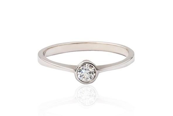 Prins & Prins |Modern Style Bezel Set Diamond Ring