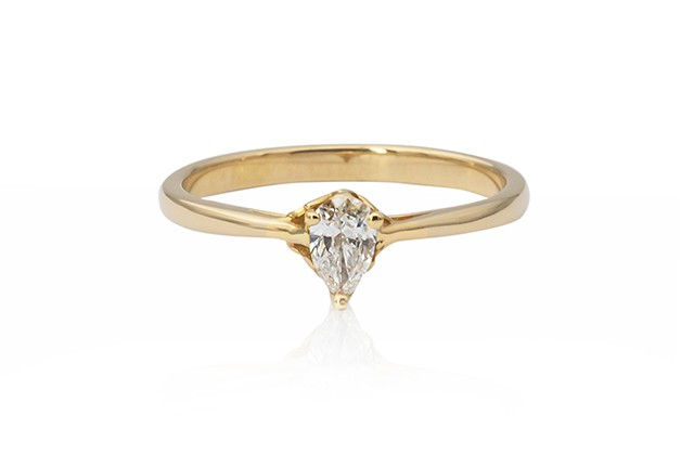yellow gold pear cut diamond ring